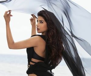 fashion, priyanka chopra, and black image