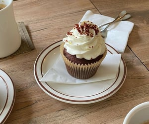chocolate, cream, and dessert image