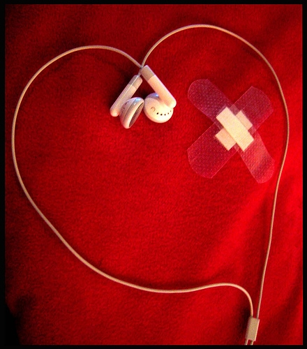 earphones, heart, and ipod image