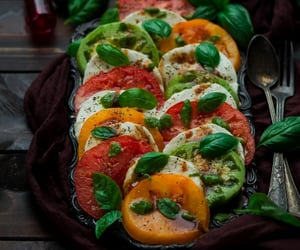 balsamic vinegar, basil, and vegetarian image