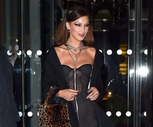 fashion and bella hadid image