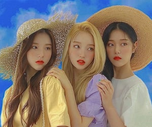 loona, kim hyunjin, and jeon heejin image