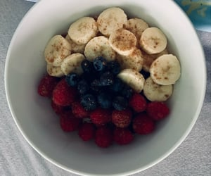 breakfast, flakes, and fruit image