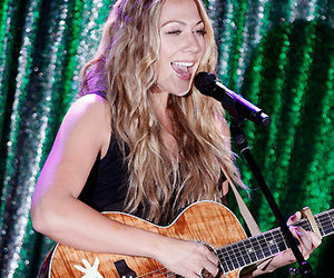 colbie caillat and guitar image