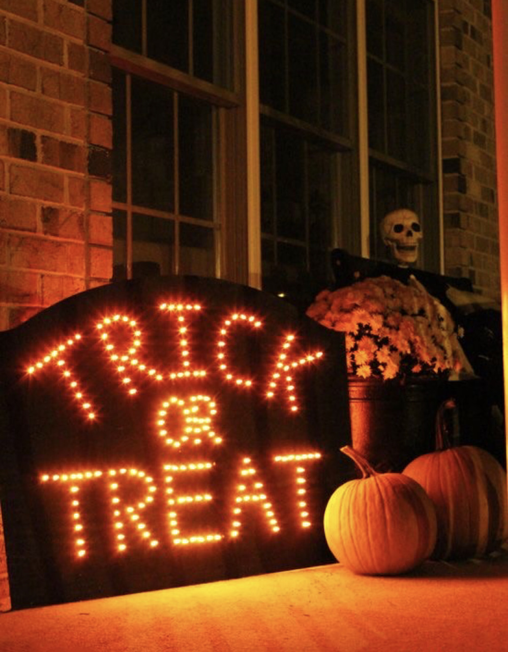 article, trick or treat, and spooky image