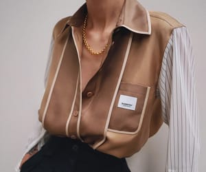 blogger and Burberry image
