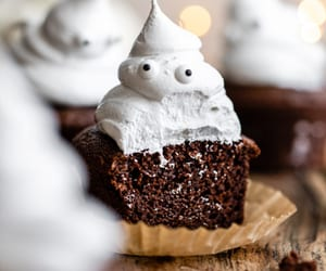 Halloween Ghost Cupcakes {Paleo}  | Delight Fuel