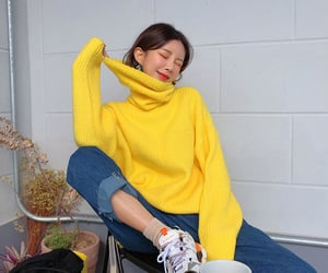 asian fashion, city, and fashion girl image