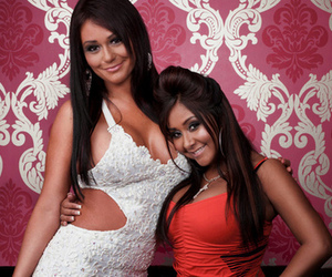 stunning, jersey shore, and snooki image