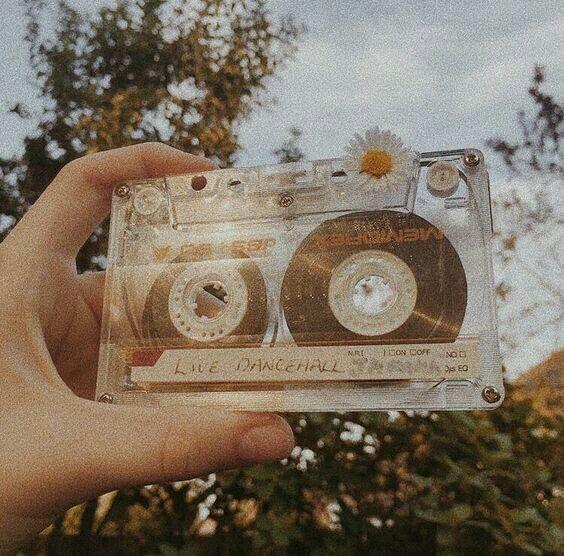 article, playlist, and sabrina carpenter image