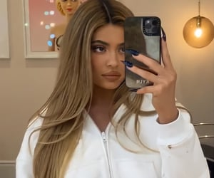 kylie jenner, blonde, and girls image