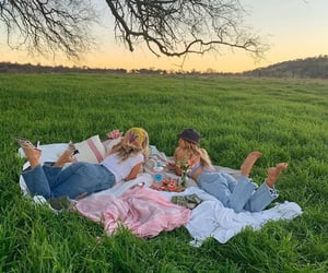 aesthetic, friends, and picnic image