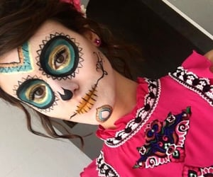 halloween costumes, halloween makeup, and soy luna image