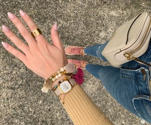 arm candy, skinny jeans, and autumn outfit image