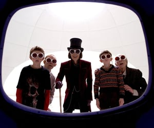 charlie and the chocolate factory, johnny depp, and Willy Wonka image