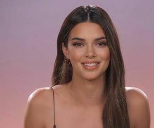 yes and kendall jenner image