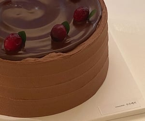 aesthetic, brown, and cake image