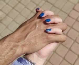 holding hands, حب عشق غرام, and كبلات كبل ثنائي image