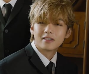 Hot, kim taehyung, and icons image