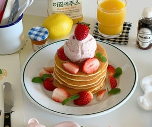 cream, strawberries, and meal plan image