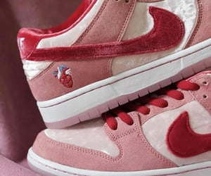 dunk, heart, and nike image