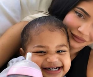 kylie jenner, family, and stormi image