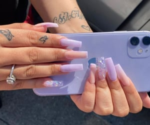 mauve, ongles, and paillets image
