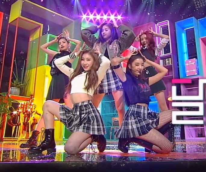 article, twice, and girlgroup image
