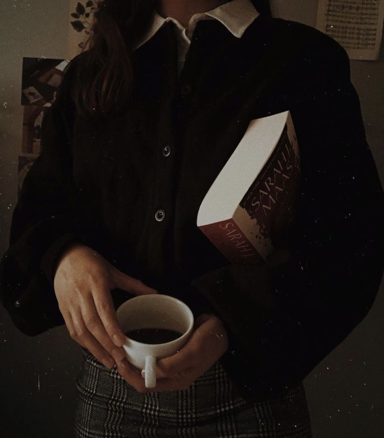 aesthetic, book, and outfit image