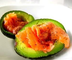 Salmon fillets in avocado.