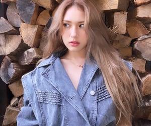 girl, i.o.i, and kpop image