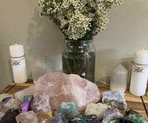 article, chakras, and crystals image