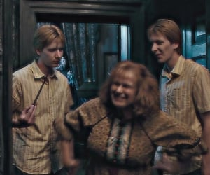 ron weasley, molly weasley, and harry potter image
