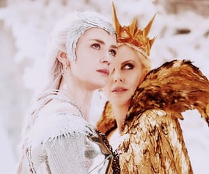 Charlize Theron, queen freya, and Emily Blunt image
