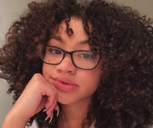 beauty, curly, and baddie image