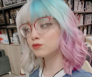 dyed hair, pretty girl, and e-girl image