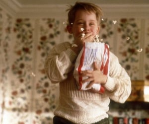 movie, christmas, and home alone image