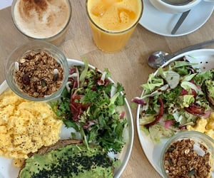 brunch, coffee, and salade image