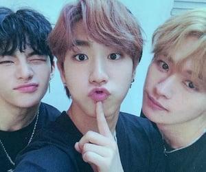 han, kpop, and hyunjin image