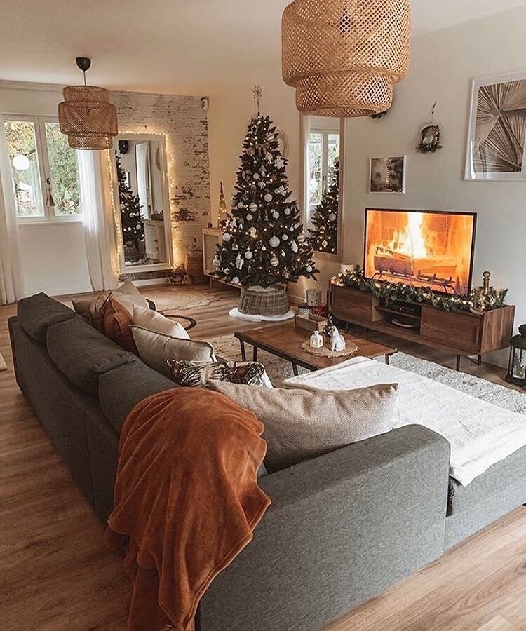 home and christmas image