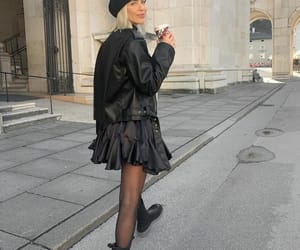 beret, blogger, and chunky boots image