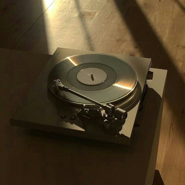 aesthetic, music, and records image