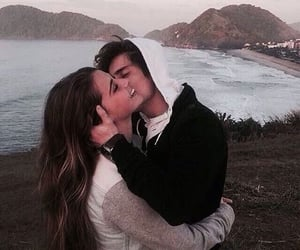 kiss, love, and حُبْ image