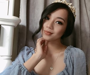 asian, crown, and gold image