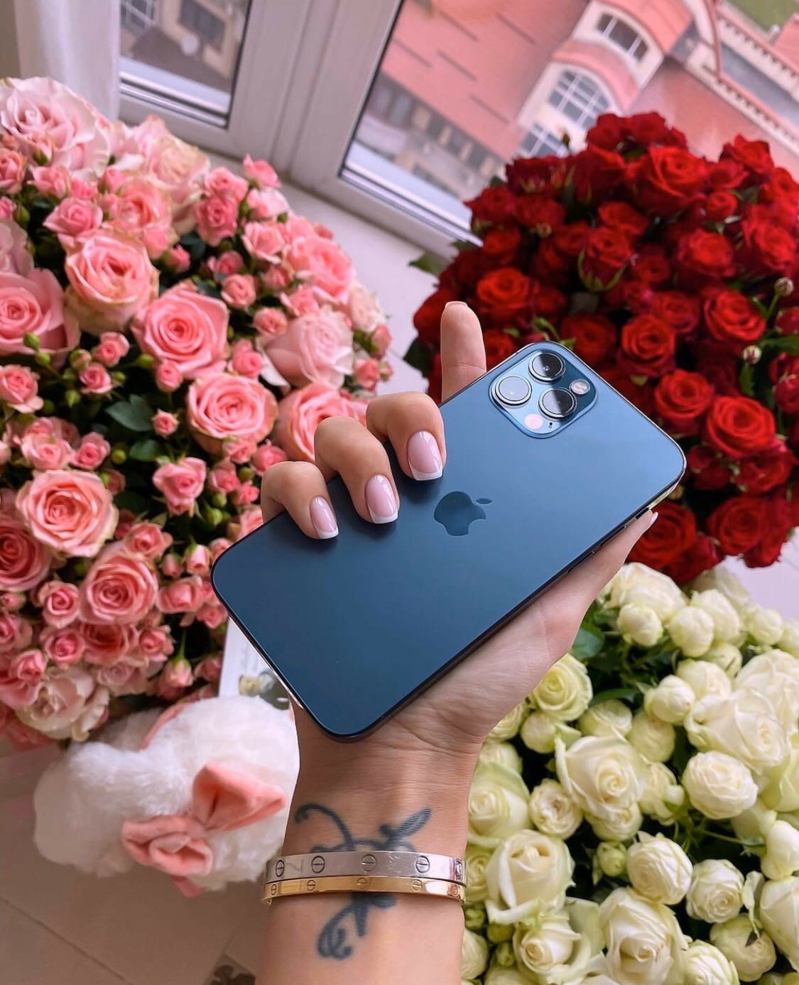 flowers, iphone, and luxury image