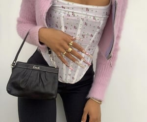 everyday look, pink crop top, and cute summer outfit image