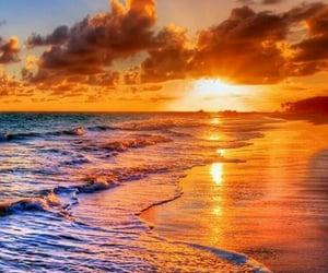 Un coucher de soleil pour ce moment il fait froids  il faut du soleil 🏜🌅🌄