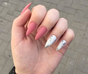 nails, beautiful, longnails and white - image #7256753 on Favim.com