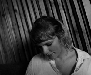 Taylor Swift, black and white, and cover image