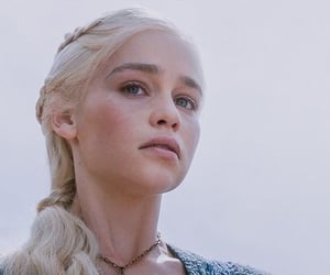 a song of ice and fire, beauty gorgeous, and game of thrones got image